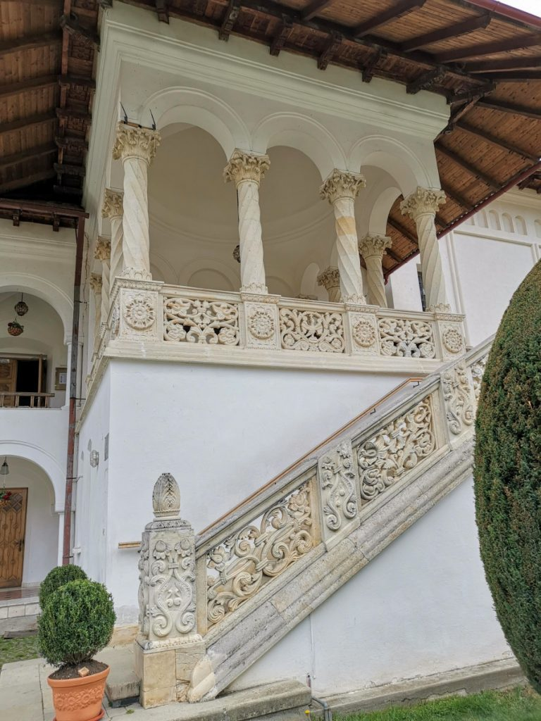 Sambata de Sus Monastery