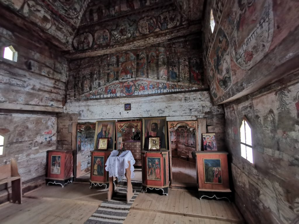 Bârsana Wooden Church (interior)