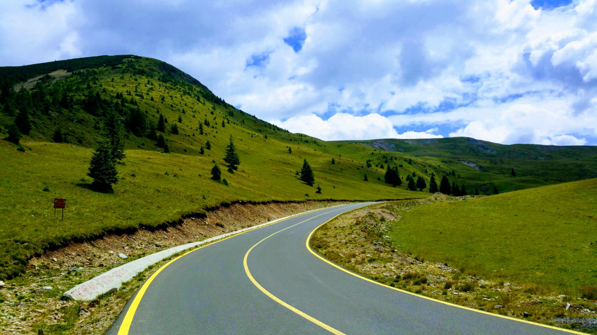 Top Romania: drive on the 50+ most amazing roads in Romania