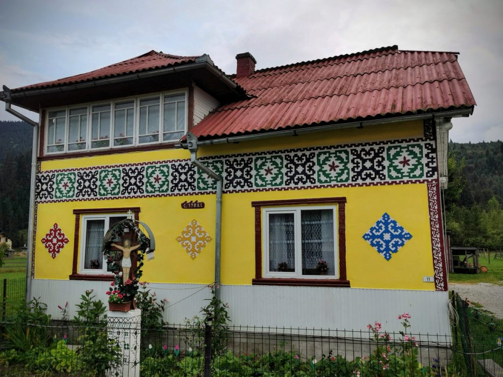 Beautiful painted house in Ciocănești Village (Bucovina)