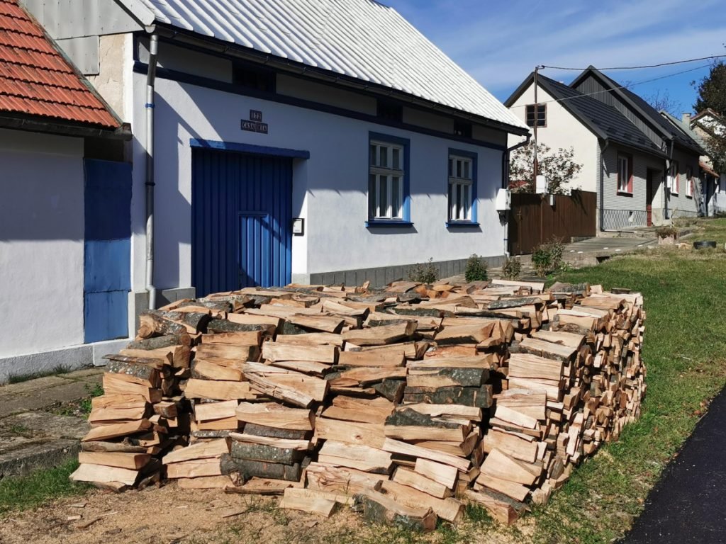 Preparation for winter in Gărâna