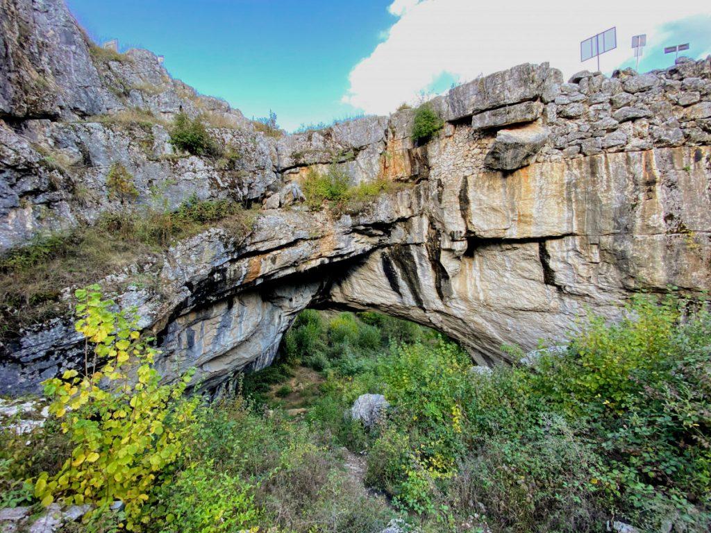 God's Bridge, Ponoarele