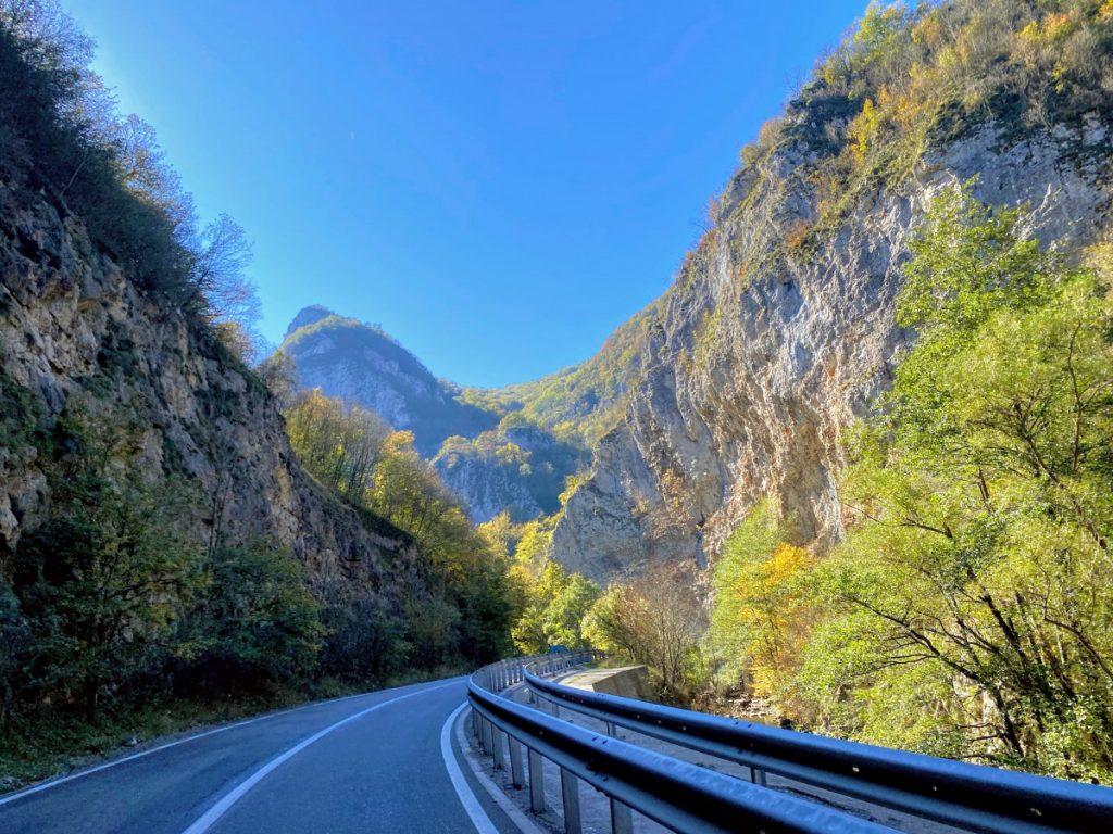 Road DN 58 to Bigar Waterfall